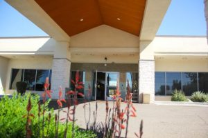 bridgewater-5-reasons-to-love-deer-valley-for-assisted-living-in-north-phoenix
