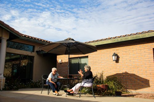 bridgewater-3-things-youll-love-about-assisted-living-in-tucson
